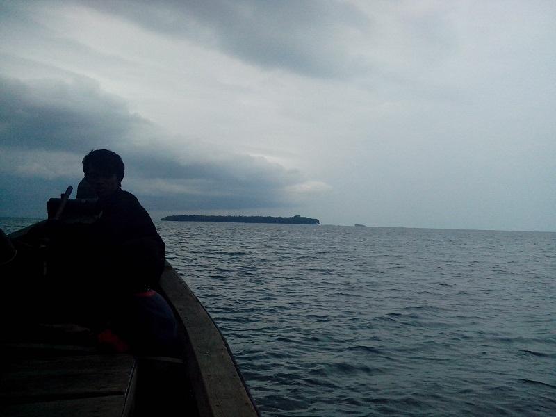 Pulau ketawai dari laut