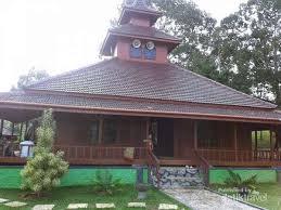 Wisata Masjid Kayu Tuatunu